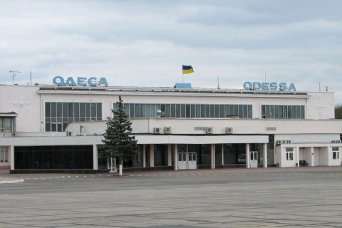 Літак, який прямував з Києва у Грецію, екстрено сів в Одесі
