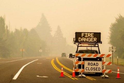 В США из-за лесных пожаров погибли более десяти человек