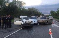 Чотирьох поліцейських і ще одного водія госпіталізували внаслідок ДТП біля Новойадара