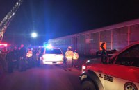 Два человека погибли и 70 ранены в результате столкновения пассажирского поезда с товарным в США