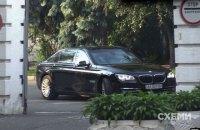 Автомобиль Пинчука заметили в АП (обновлено)