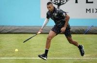 На турнірі в Лондоні тенісист виконав піжонський, але результативний удар