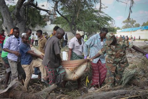 При взрыве в столице Сомали погибли 29 человек