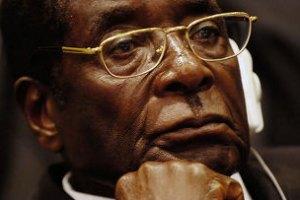 На интронизацию Папы Франциска незаконно приехал 89-летний президент Зимбабве