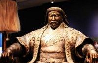 """Китай вимагає не використовувати слово """"Чингісхан"""" на виставці Чингісхана у Франції"""