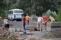 На Набережном шоссе запретили движение габаритного транпорта