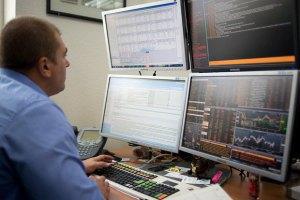 Регулятор попередив біржі про перевірки