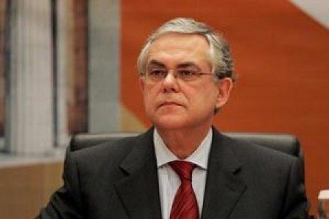 Бывший премьер-министр Греции пострадал при взрыве автомобиля