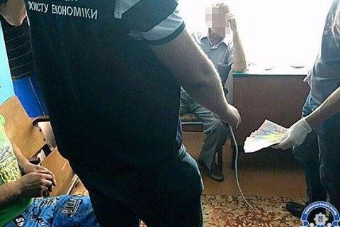 Голову сільради у Львівській області затримали за хабар 33 тис. грн