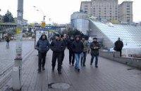 """На Майдан пробираються """"тітушки"""" з Маріїнського парку"""