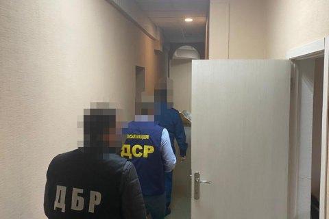 Чиновника харьковской таможни подозревают в растрате 400 000 грн из бюджета