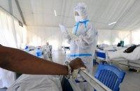 За добу в Україні виявили 2 137 випадків ковіду, померли 163 людини