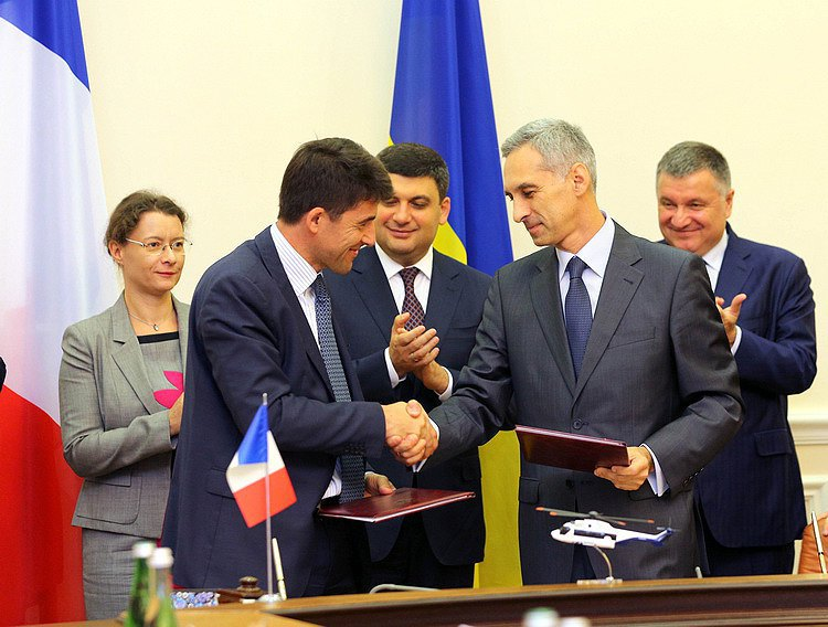 Украина приобретет уФранции 55 вертолетов Airbus: договор наполмиллиарда евро