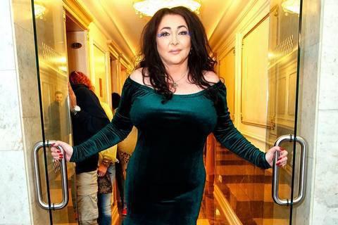 Лоліті Мілявській заборонили в'їзд в Україну за незаконну поїздку в Крим