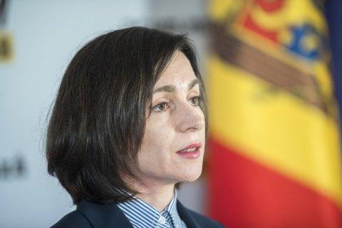 Экс-премьер Молдовы Санду выигрывает первый тур президентских выборов после подсчета 98% бюллетеней