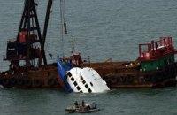 Гонконг: после столкновения двух суден арестован их экипаж