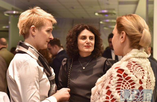 Слева направо: Татьяна Козаченко, Светлана Панаиотиди и Оксана Продан