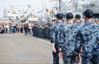 Звільнені з російського полону моряки повернулися до Одеси