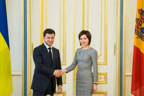 Зеленський привітав  Санду з успішним проведенням парламентських виборів у Молдові