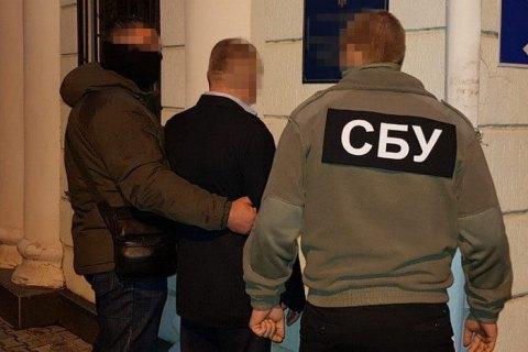 В Херсонской области начальник подразделения таможни попался на систематическом взяточничестве
