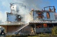 На Прикарпатье сгорела деревянная церковь ПЦУ