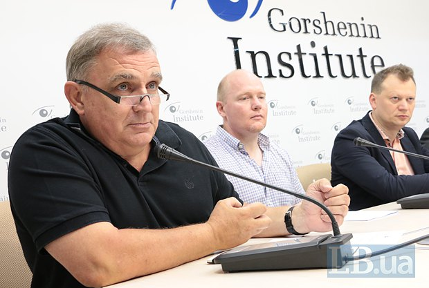 Мартин Нанн(слева)
