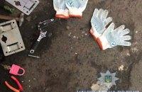 Трое мужчин обворовали контейнер с женскими пуховиками на рынке в Одессе