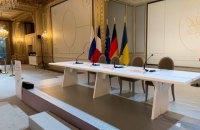 Нормандський саміт перервали заради переговорів Зеленського і Путіна, - ОП
