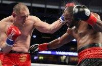 Американський суперважковаговик тричі побував у нокдауні, але все ж зумів звести боксерський поєдинок до нічиєї