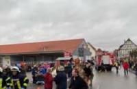 В Германии авто врезалось в толпу участников карнавала, пострадало около 30 человек