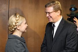 Брюссель поручил Тимошенко контролировать Януковича