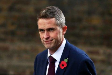 Міністр оборони Британії порадив Росії «відійти і заткнутись»