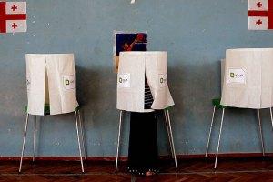 Оппозиция опередила партию Саакашвили на 15%