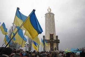 Яценюк с Тягнибоком пришли помолиться за жертв Голодомора