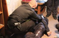 В Чернигове мужчина заблокировал вора в квартире соседей и сдал его полиции