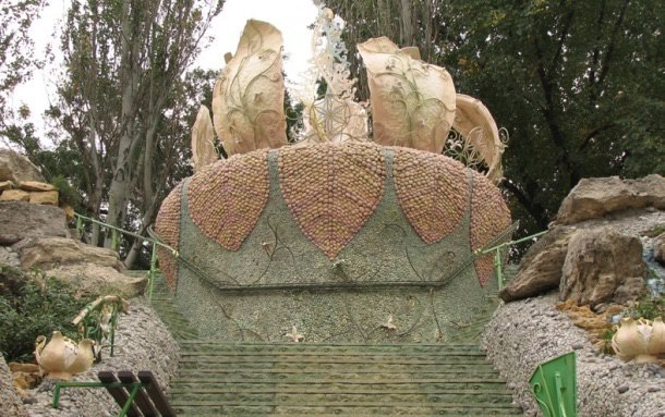 Цветок на набережной в Николаеве