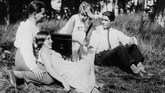 """Кадр з фільму """"Люди в неділю"""" (1930)"""