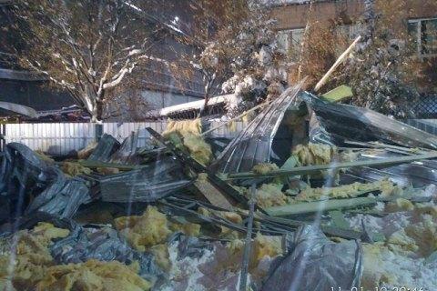Обвал даху торгового павільйону в Харкові розслідують як службову недбалість