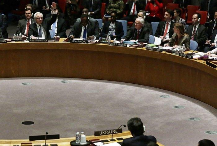 Посол Росії в ООН Віталій Чуркін голосує проти проекту резолюції щодо України, Нью-Йорк, США, 15 березня 2014 .