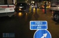 В Крыму пьяный водитель въехал в остановку, погибли двое пешеходов
