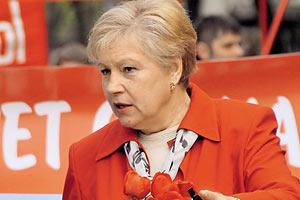 Падение белорусского рубля инициируется извне, - Александровская
