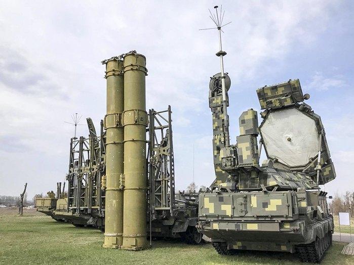 ЗРС С-300В1 - єдині системи в ЗСУ, які в змозі збивати балістичні цілі