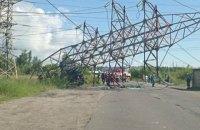 Через падіння електроопори у Києві перекрили рух на вулиці Пухівській (оновлено)