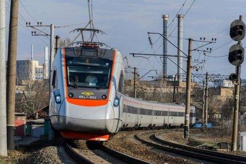 """""""Укрзалізниця"""" перевезла у Європу майже 500 000 пасажирів"""