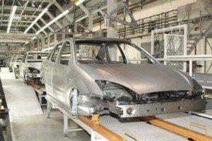 Выпуск автомобилей в Украине сократился на 60%
