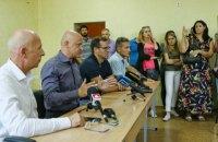 """Во время встречи мэра Одессы с родителями детей из лагеря """"Виктория"""" произошла потасовка"""