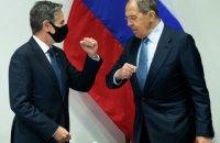 """Блінкен висловив Лаврову """"глибоку стурбованість"""" розгортанням російських військ в Україні та біля неї"""