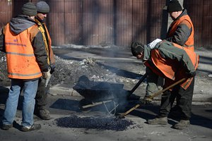 """""""Укравтодор"""" не має грошей навіть на ямковий ремонт доріг"""