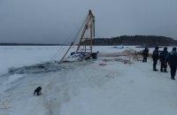 В России трактор затонул при попытке вытащить автокран, пытавшийся вытащить бензовоз