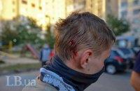 Трое человек обратились к врачам после ночных столкновений на Святошино